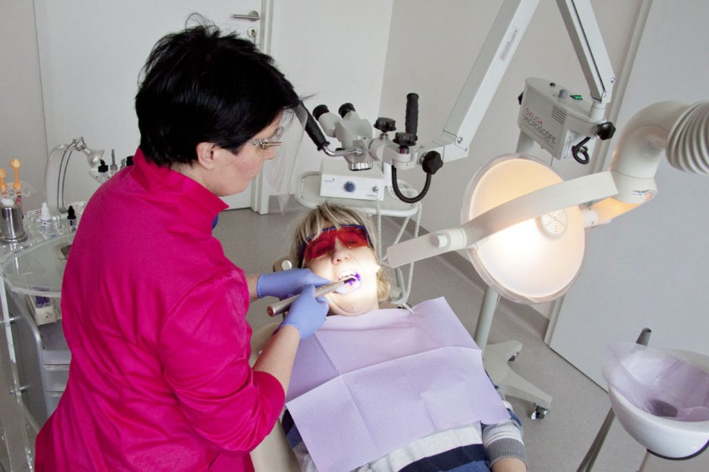 Przebieg leczenia implantologicznego