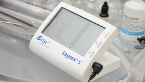 narzędzie pomagające w zabiegu leczenia kanałowego. Łódź to miasto gdzie kupiono wiele tego typu specjalistycznych urządzeń. W Łodzi znajduje się również przychodnia stomatologiczna ZGRYZ
