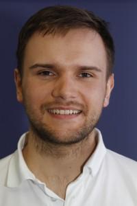 Dr. Paweł Porczyk - odsłonięte korzenie zębów